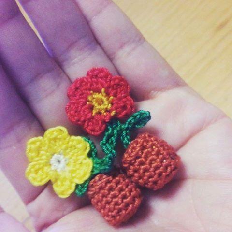 真弓さんの編み物お花の作品